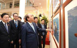 Khai mạc triển lãm ảnh 'Khoảnh khắc thiên nhiên'