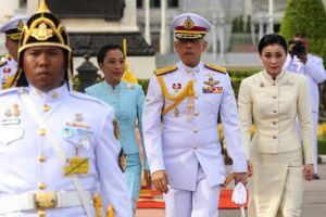 Vua Thái Lan phế truất thêm sáu cận thần hoàng gia