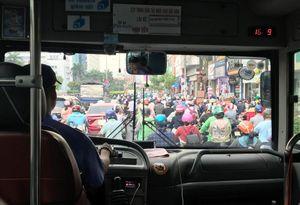 Dân ngày càng kém mặn mà với xe buýt