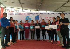 Hair & Beauty Lamdong Club tặng quà và cắt tóc miễn phí cho người dân Bảo Lộc