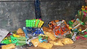 Hà Tĩnh: Tiêu hủy hơn 6.000 sản phẩm không rõ nguồn gốc xuất xứ