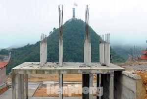 Ngẫm ngợi Lũng Cú: Lình xình Phúc Lộc