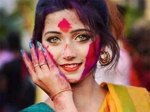Thiếu nữ Ấn Độ có màu mắt hiếm đổi đời sau một đêm