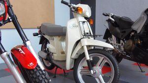 Honda SH đời đầu trông thế nào, khác gì với Honda SH 2020?