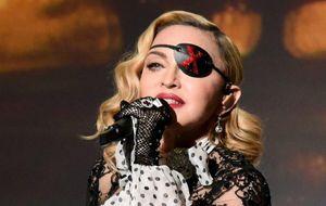Madonna bị kiện vì diễn không đúng giờ