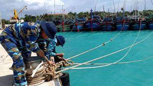 Hơn 1.400 ngư dân vào tránh bão ở Trường Sa