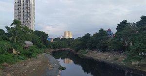 Hà Nội: Khốn khổ vì ô nhiễm nước sông