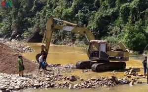 Hai doanh nghiệp khai thác cát lậu bị xử phạt 210 triệu đồng