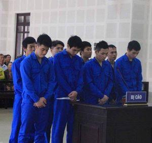 Hỗn chiến sau tiệc tiễn bạn đi nghĩa vụ quân sự, 8 thanh niên lãnh án tù