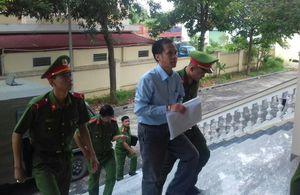 Cựu luật sư Trần Hữu Kiển bị đề nghị 12-14 năm tù