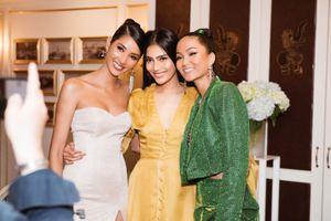 Hoàng Thùy trò chuyện cùng 2 nàng Hậu trước khi tham dự Miss Universe 2019
