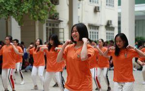 Ngày hội Flashmob náo nhiệt đa sắc màu của học sinh Chuyên Sư phạm