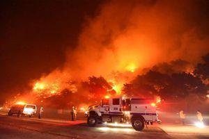 Mỹ: Cháy rừng lan rộng ở bang California, 6.300 người sơ tán khẩn cấp
