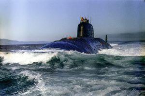 Sự cố tàu ngầm Liên Xô 'đấu đầu' tàu sân bay Mỹ năm 1984