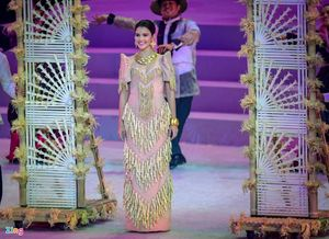 Dàn hoa hậu Philippines trong đêm khai mạc SEA Games 30