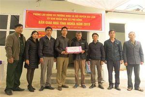 Huyện Gia Lâm trao nhà tình nghĩa cho gia đình liệt sỹ