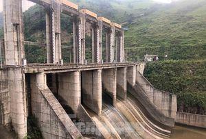 Thủy điện trăm tỷ, nghìn tỷ không phép: Chính quyền Lào Cai buông lỏng quản lý