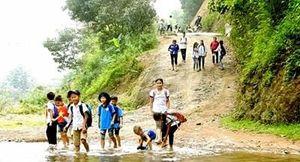 Hòa Bình: Cần một cây cầu cho người dân xóm Quy Bái