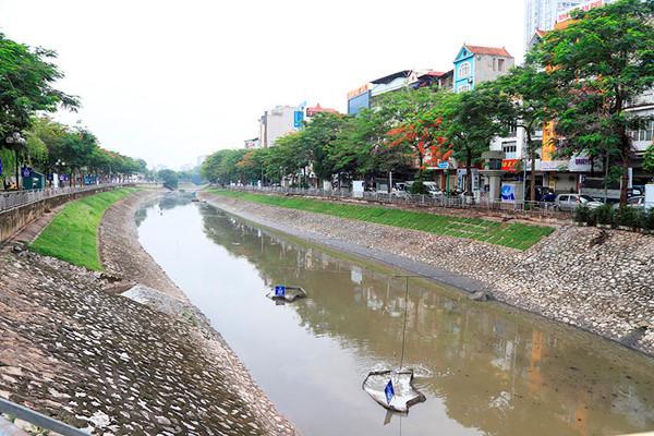 Tranh cãi về giải pháp cứu sông Tô Lịch: Nghiên cứu kỹ, tránh phụ thuộc công nghệ