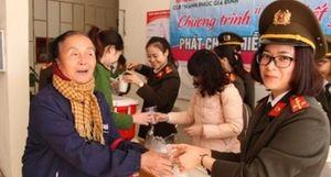 Câu lạc bộ 'Hạnh phúc gia đình' với hoạt động chia sẻ yêu thương