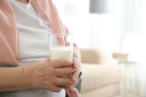 Giữa muôn vàn điều, sức khỏe là món quà ý nghĩa dành tặng cha mẹ