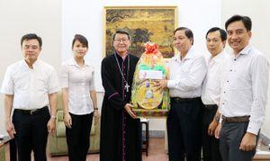 Lãnh đạo tỉnh thăm, chúc mừng các cơ sở tôn giáo nhân dịp Lễ Giáng sinh