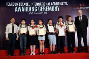 Gần 500 học sinh nhận chứng chỉ phổ thông quốc tế Pearson Edexcel