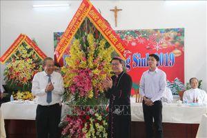 Phó Thủ tướng Trương Hòa Bình thăm, chúc mừng Giáng sinh tại Tiền Giang