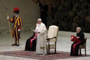 Giáo hoàng cảnh báo về sự suy vong của Cơ Đốc giáo, lên án sự bảo thủ