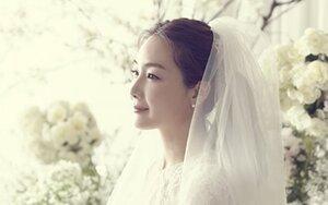 Choi Ji Woo mang thai con đầu lòng ở tuổi 44, hạ sinh vào tháng 5 năm sau