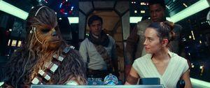 'Star Wars: Skywalker trỗi dậy' thống trị phòng vé mùa lễ Giáng Sinh