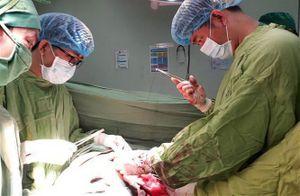 Lần đầu tiên Việt Nam thực hiện ghép cùng lúc 2 tạng cho bệnh nhân nước ngoài