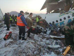 Máy bay chở 100 người rơi sau khi cất cánh: Kazakhstan dừng bay tất cả máy bay cùng loại