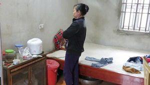 Khởi tố tạm giam người chồng hắt nước sôi khiến vợ bỏng 30% vì không nhường phần ốc