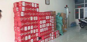 Bắt hơn 1 tấn bánh kẹo, thịt lợn đông lạnh Trung Quốc đang đưa vào ở Hà Nội