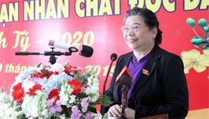 Phó Chủ tịch Thường trực Quốc hội Tòng Thị phóng thăm và tặng quà các gia đình chính sách, hộ nghèo tại khánh hòa