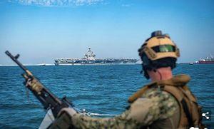 Hàng chục tàu Iran vây quanh tàu sân bay Mỹ