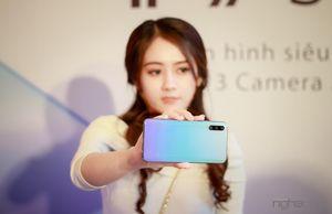 Đánh giá nhanh Huawei Y9s: màn lớn tràn viền, pin trâu, chụp hình ổn