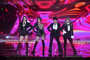 'KBS Drama Awards 2019': Kang Ha Neul - Kim So Hyun, Choi Siwon phấn khích với sân khấu của Brown Eyed Girls