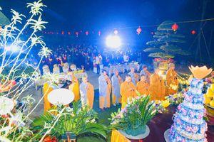 Ninh Bình : Thắp nến cầu quốc thái dân an tại Hoa Lư