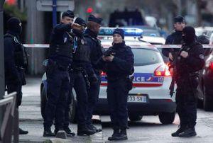 Hung thủ tấn công dao tại Paris bị tiêu diệt: Có mang theo tài liệu tôn giáo