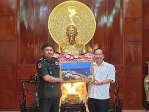 Cục Phát triển - Quân đội Hoàng gia Campuchia chúc Tết lãnh đạo TP Cần Thơ