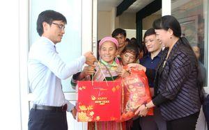 Thanh Hóa: 'Xuân ấm áp - Tết yêu thương' trao quà cho hội viên phụ nữ nghèo