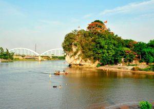 Khám phá 'núi thơ' di tích quốc gia đặc biệt ở Ninh Bình