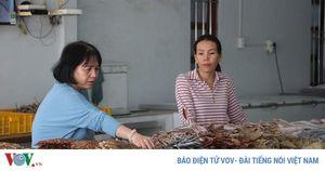 Nhộn nhịp làng khô cá biển Trần Đề mùa Tết