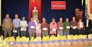 Quảng Nam: Văn phòng báo Đại Đoàn Kết tặng quà Tết cho các hộ khó khăn