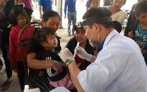 Hà Tĩnh: Khám, cấp thuốc miễn phí cho đồng bào dân tộc Chứt
