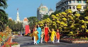 Ở lại ăn Tết với Sài Gòn được không?