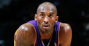 Sao quốc tế sốc khi huyền thoại bóng rổ Kobe Bryant và con gái qua đời