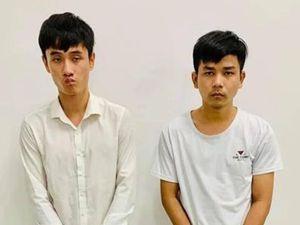 Mâu thuẫn ăn nhậu ngày Tết, 2 thanh niên vác mã tấu đuổi chém đối thủ